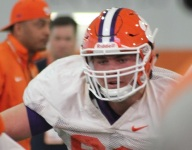 Clemson offensive tackle is transferring