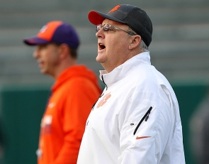Big 4-star OL 'excited' to get on campus at Clemson