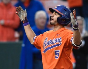 4-run 8th inning allows Seminoles to pull away from Clemson