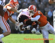 Swinney calls Terrell 'Deshaun Watson' of defensive backs