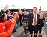 Photo Gallery: Clemson arrives at Cardinal Stadium