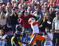 Lawrence, Higgins hook up again to extend Clemson lead