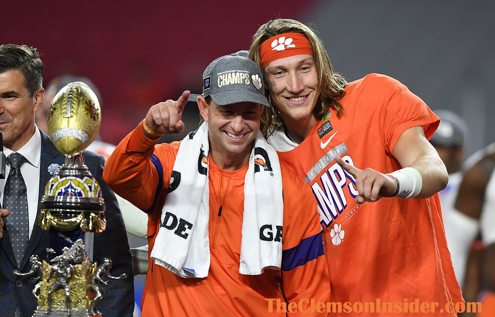 Swinney Compares Two Once In A Lifetime Quarterbacks The Clemson Insider