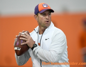 Swinney, Brownell, others take voluntary pay cuts