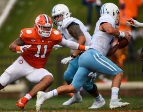 Young Clemson defense shuts out Bulldogs
