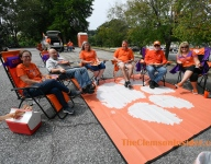 Bart Boatwright's Photo Gallery:  Tailgating during COVID times