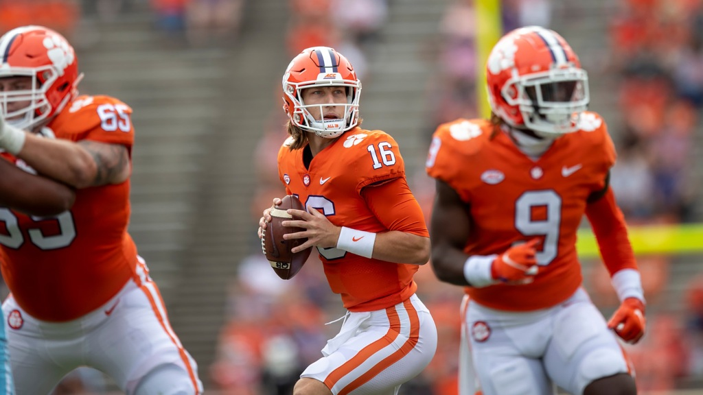 Lawrence makes his Heisman case in first half | The ...