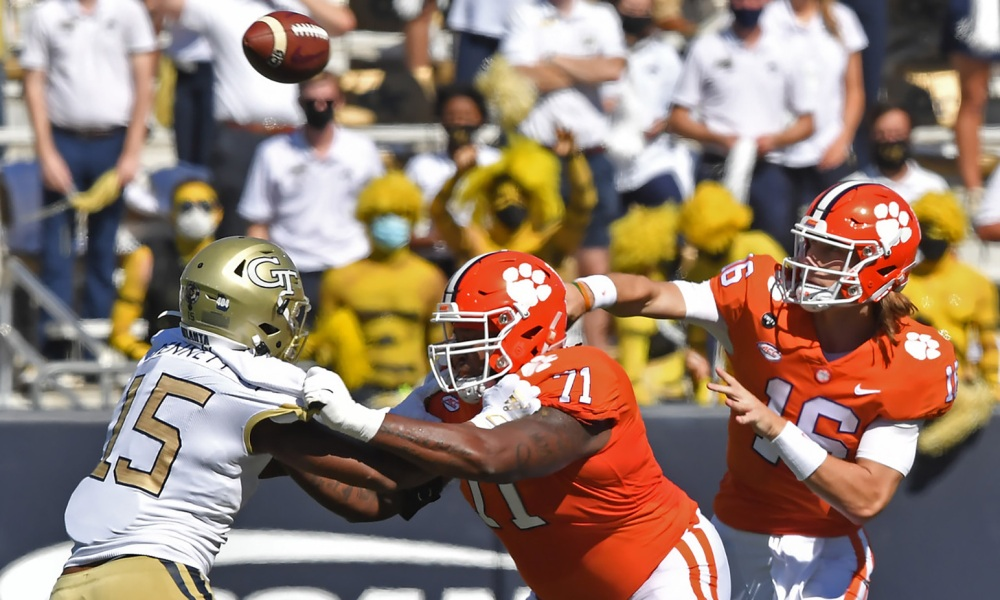 Lawrence named Manning Award Quarterback of the Week | The ...