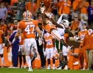 Venables mixes things up as defense stifles Miami in first half
