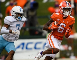 With 2 receivers down, Clemson turns to a true freshman