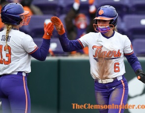 Clemson softball hosts Elon