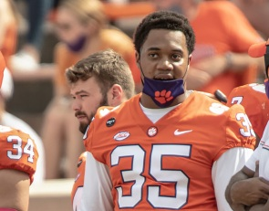 Foster says thank you, goodbye to Clemson fans