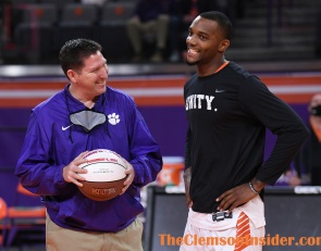 Simms shows his appreciation for Clemson