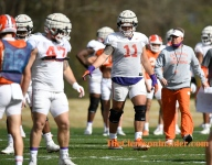 Bart Boatwright's Photo Gallery: Monday's practice