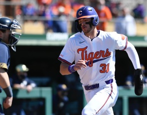 Clemson freshman named national player of the week
