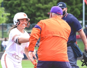 Tigers advance behind dominant performance by Cagle