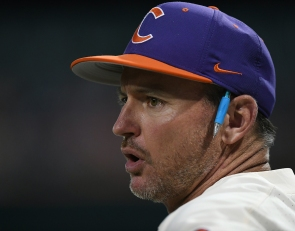 Lee admits to doing poor job of feeling out the culture of his clubhouse