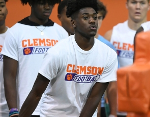 One of nation's top WRs says Clemson offer would impact recruitment 'a lot'