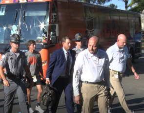 Clemson arrives at Bank of America Stadium for showdown vs. Georgia