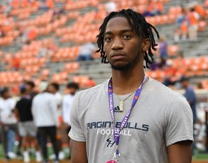 4-star Carolinas WR: 'Who wouldn't want to be at Clemson'